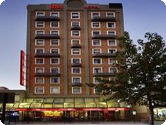 �ۥƥ롡�����ӥ����ѡ��� -��Hotel Ibis Perth)