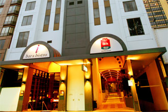�����ӥ������ܥ��-(Ibis Melbourne/Therry Street)