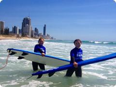 サーフィン・ボディーボード体験&ビーチバーベキュー・ゴールドコースト