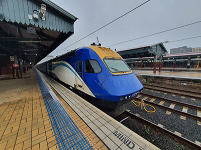 XPT エコノミークラス座席車両-(NSW TrainLink)