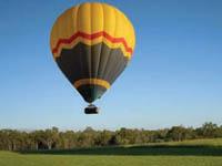 ケアンズで熱気球(サンダーバルーニング)
