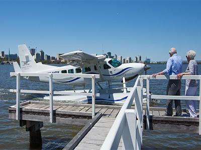 ロットネスト島へ水上飛行機で訪れる遊覧飛行ツアー