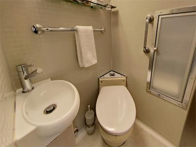 ツイン個室のトイレ