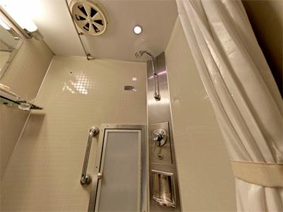 ツイン用個室のシャワー